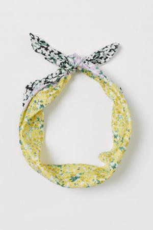 Satijnen sjaal met bloemenprint