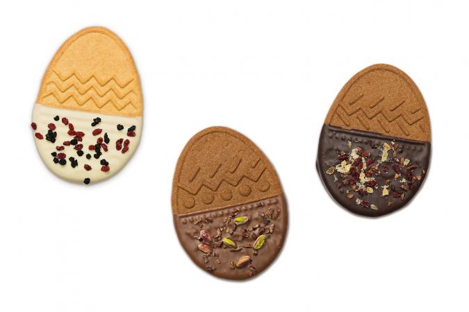 Paasei uit speculaas met chocolade en toppings