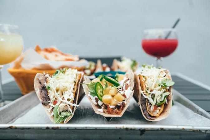 Tacos aux fruits de mer et à l'avocat