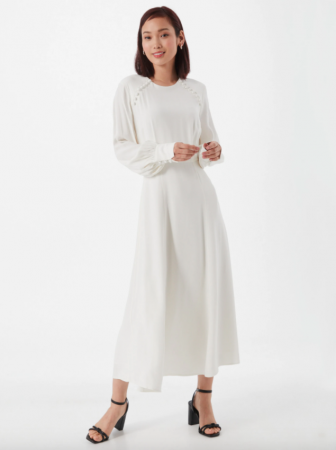 Minimalistische midi-jurk met sierknopen