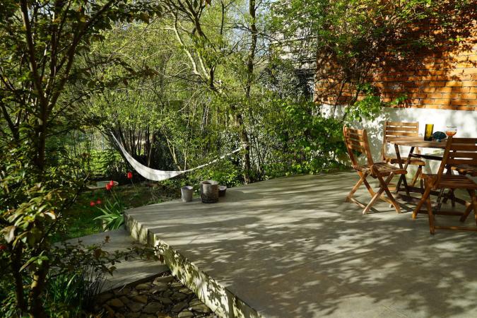 Maison avec jardin ensoleillé à Mazée