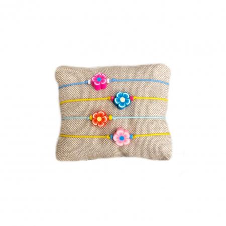 Stoffen armbandje met bloemetje