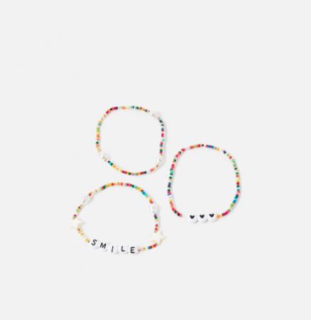Set van drie kleurrijke kralenarmbandjes