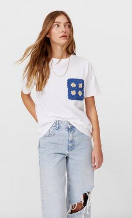 T-shirt avec poche en crochet