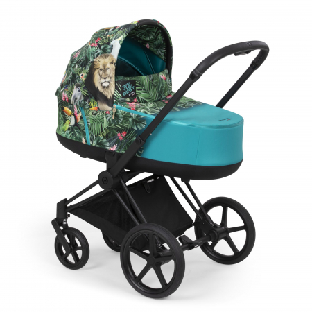 Kinderwagen met exotische jungleprint ontworpen doorDJ Khaled
