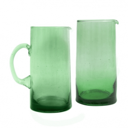 Handgemaakte karaf van gerecycleerd glas