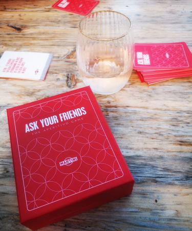 Chef lifestyle Judith speelde Ask Your Friends, een kaartspel van Martini Fiero.