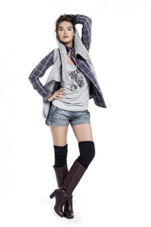 JBC women Knitwear 47,50euro Shirt 29,90euro Tshirt 17,50euro Shorts 29,90euro