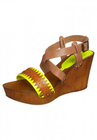 chaussures-compensees-taupage-zalando-44.96.jpg FR