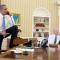 Obama prend ses aises dans son bureau