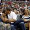 Dans la «Kiss Cam» lors d'un match de basket