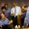 Un fou rire avec son équipe à bord d'Air Force One