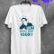 Een t-shirt vol levenswijsheid. Etsy – 10,17 euro