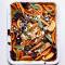 Vrijdag: zoete aardappelen, rode biet en feta met een crumble van salie