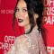 Maak een statement met metallic lippen zoals Olivia Munn
