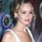 De bloemen in het haar van Jennifer Lawrence