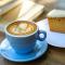 Cappuccino = 1 shot espresso, opgestoomde melk en melkschuim