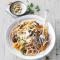 Pâtes complètes aux carottes et champignons – 500 kcal