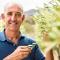 Manu (53), olijfboer in Zuid-Afrika