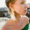 Goudkleurige oorbellen met witte franjes 'Havana'