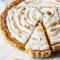 3. Verras je lover met een stukje taart van z'n favoriete bakker, zijn lievelingscocktail of iets anders waar zijn buik blij van wordt.