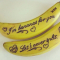 4. Maak z'n lunch en stop er een extraatjein, zoals een banaan met de boodschap 'I'm bananas for you!' op.