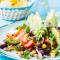 Maandag: gehaktsalade met bonen, maïs en avocado