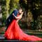 Esther verkoopt de rode jurk die ze droeg toen ze met Tim trouwde.
