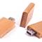 Une clé USB en forme de livre en bois