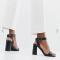 Zwarte sandalen in faux krokodillenleer
