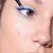 Alexandra uit Zonhoven waagde zich aan elektrisch blauwe eyeliner met oogschaduw