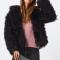 SHOPPING: 11 faux fur-jassen om je mee in te duffelen in dit koude weer