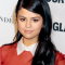 De schoolmeisjeslook van Selena Gomez
