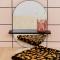 Miroir minimaliste avec étagère