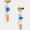 Oorbellen met gekleurde parels