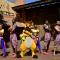 Dans met Timon en Pumbaa tijdens Timons 'Matacance'