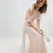 Robe rose pâle à dos nu – TFNC via Asos