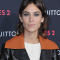 De signature 'curtain bangs' van Alexa Chung