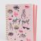 Roze schrift in A5-formaat met opschrift 'Get it gurl'