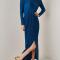 Petroleumblauwe maxi-jurk met split en rugdecolleté
