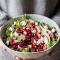 Salade van boerenkool met rood fruit, hazelnoten en blauwe kaas (15 min.)