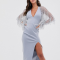 Zilverblauwe jurk met V-hals en transparante mouwen