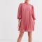 Zalmroze mini-jurk met driekwartmouwen