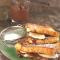 Verloren brood met banaan, pindakaas en chocolade