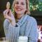 Reisjournaliste Marie trotseerde de regen op de Wadden, dus die warme chocomelk met slagroom had ze wel verdiend!