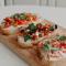 Bruschetta met tomaten, basilicum en balsamicoazijn