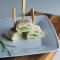 Miniwraps met komkommer en roomkaas