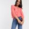 Koraalroze blouse met ruches