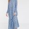 Babyblauwe maxi-jurk met donkerblauwe polkadots