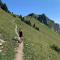 Redactrice Jolien, een fervent backpacker, op haar lievelingsbestemming Zwitserland.